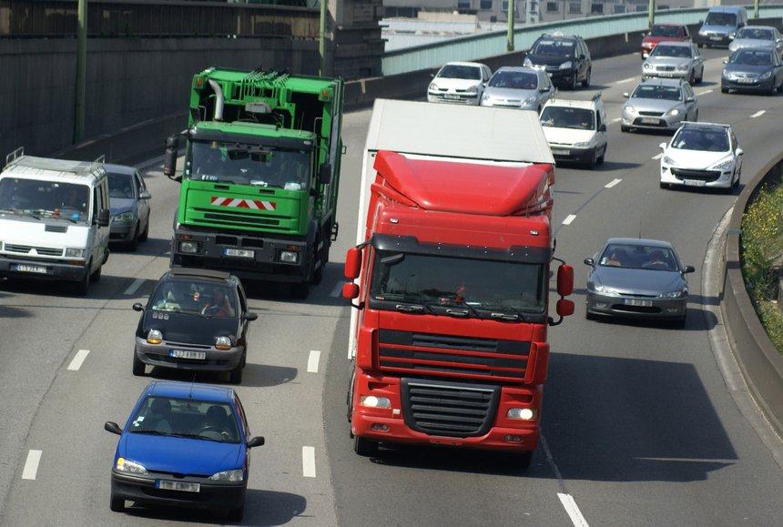 Les camions euro 3 bient t interdits dans le grand paris for Emploi architecte interieur paris