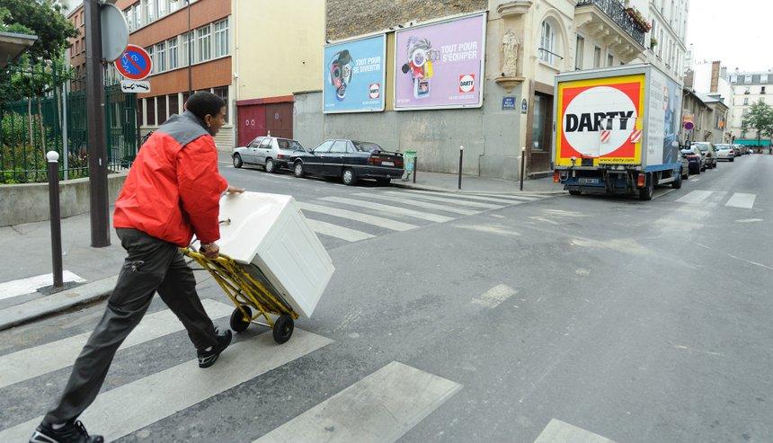 darty reprend la main sur la gestion de ses livraisons. Black Bedroom Furniture Sets. Home Design Ideas