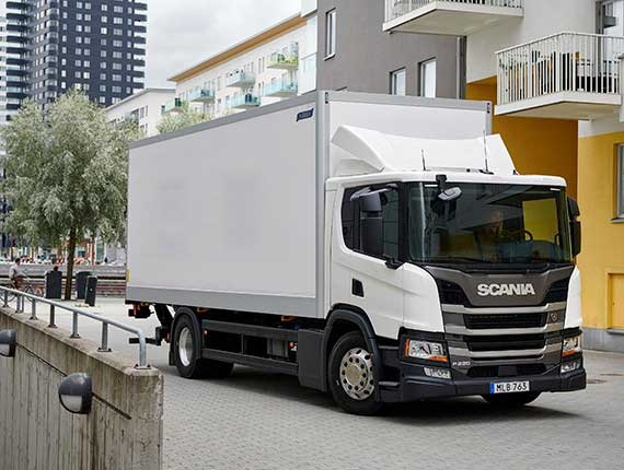 scania sort un petit camion de distribution plus bas actu transport. Black Bedroom Furniture Sets. Home Design Ideas