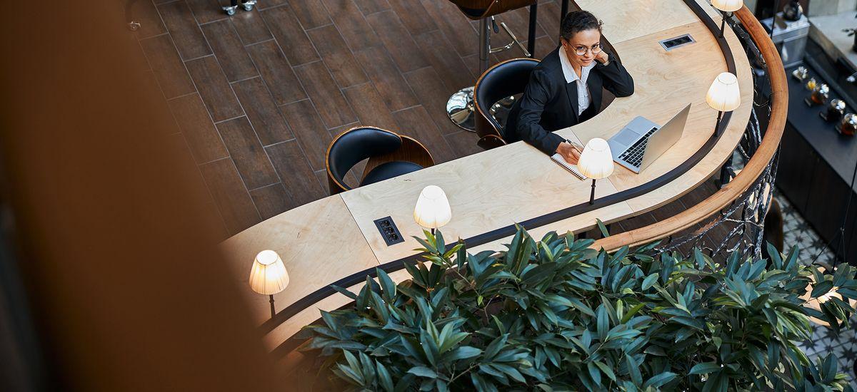 Une majorité d'entreprises envisagent de passer au flex office (Deskeo)