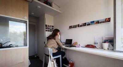Aides au logement : abattement pour les salariés en contrat de professionnalisation