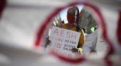 Handicap: les AESH descendent dans la rue