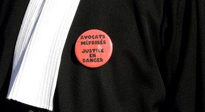 Jurisprudence : en cas de grève, un étranger peut parfaitement être jugé sans avocat (Cour de cassation)